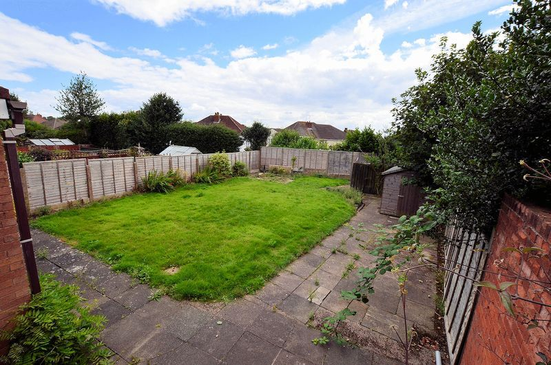 4 bed house to rent in Cedar Close 7