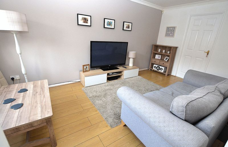 2 bed house to rent in Bristam Close 2