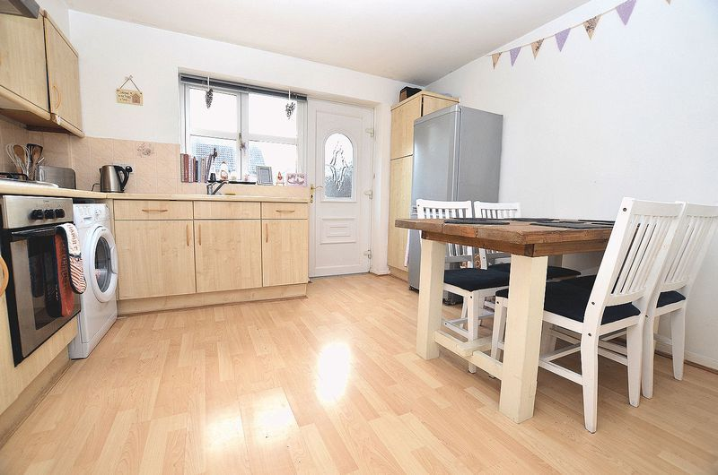 2 bed house to rent in Bristam Close 3