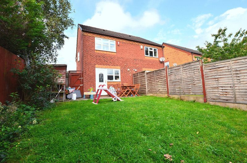 2 bed house to rent in Bristam Close 4