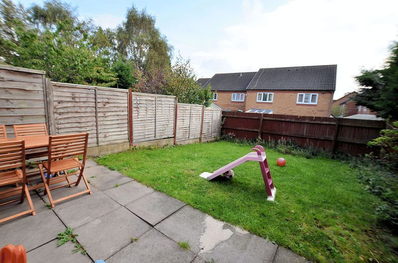 2 bed house to rent in Bristam Close  - Property Image 8