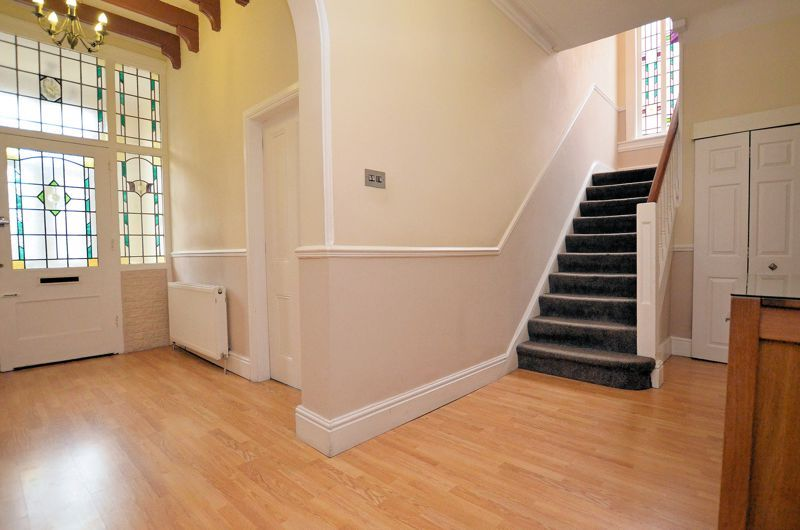 5 bed house for sale in Gillott Road  - Property Image 2