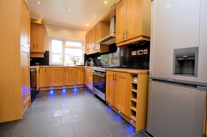 5 bed house for sale in Gillott Road  - Property Image 4