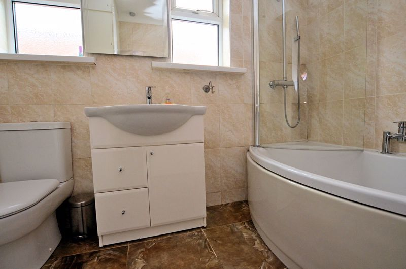 5 bed house for sale in Gillott Road 6