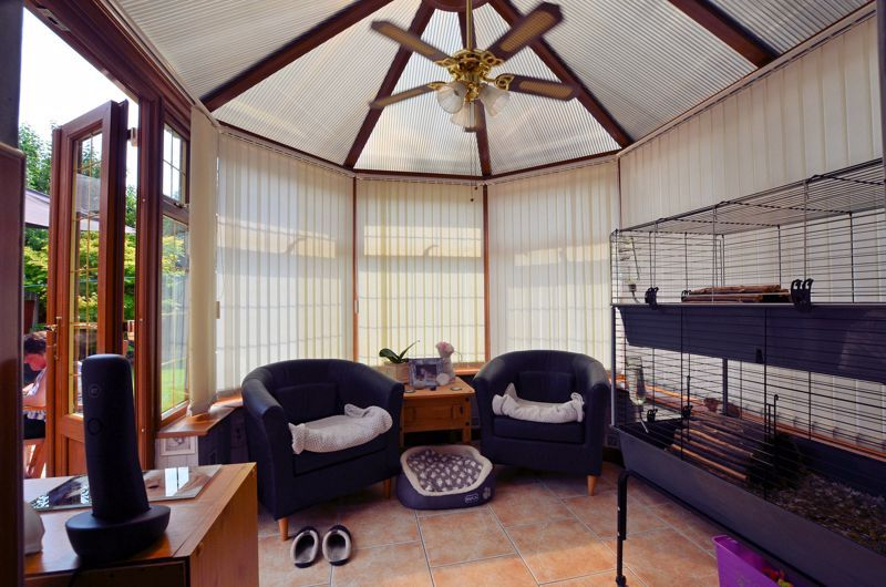 3 bed house for sale in Broadway Croft 12