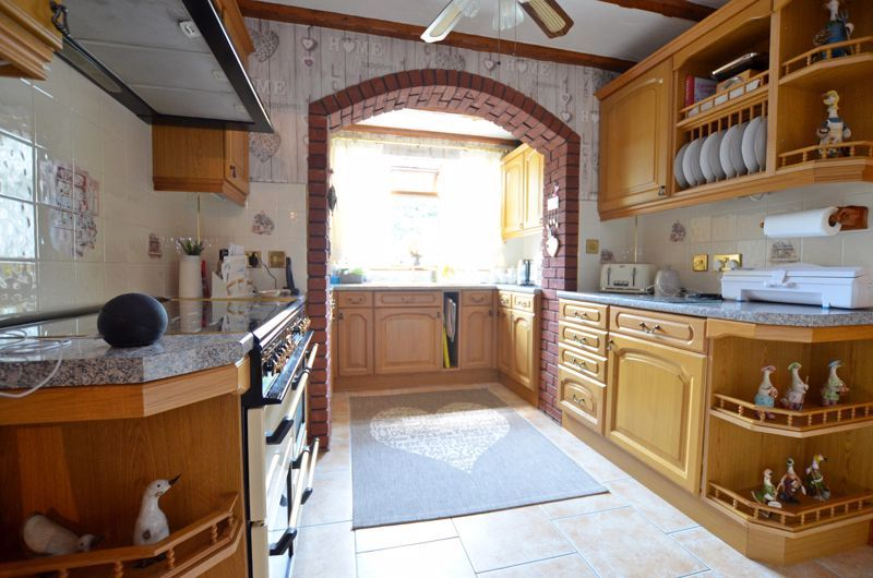 3 bed house for sale in Broadway Croft 13