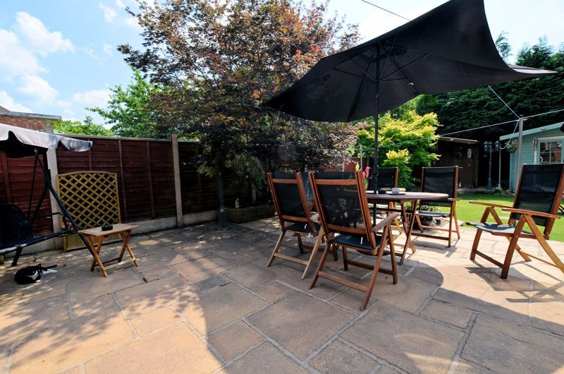 3 bed house for sale in Broadway Croft 16
