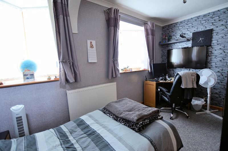 3 bed house for sale in Broadway Croft 21