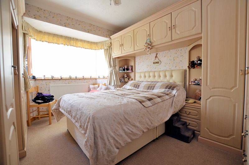 3 bed house for sale in Broadway Croft 6