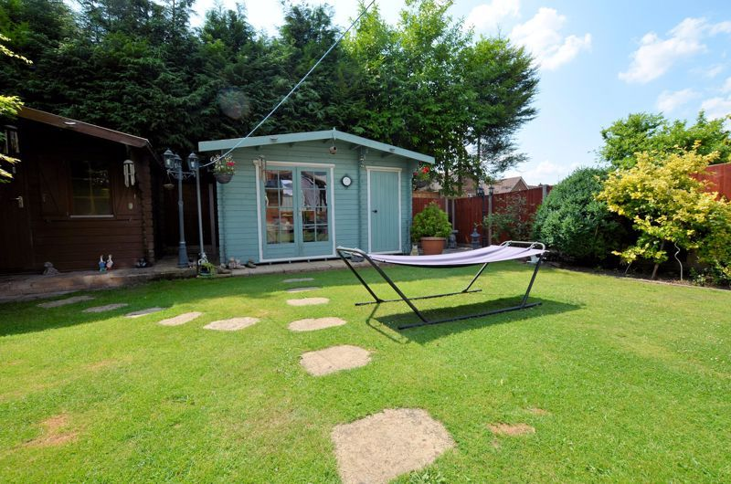 3 bed house for sale in Broadway Croft 8