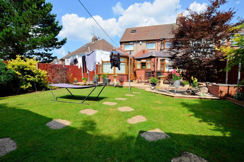 3 bed house for sale in Broadway Croft 9