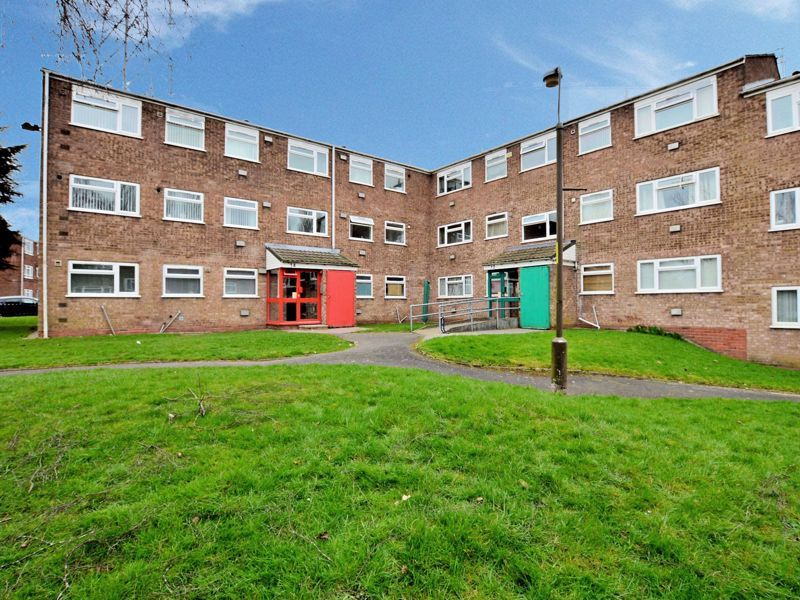 2 bed flat to rent in 14 Clent Way 1