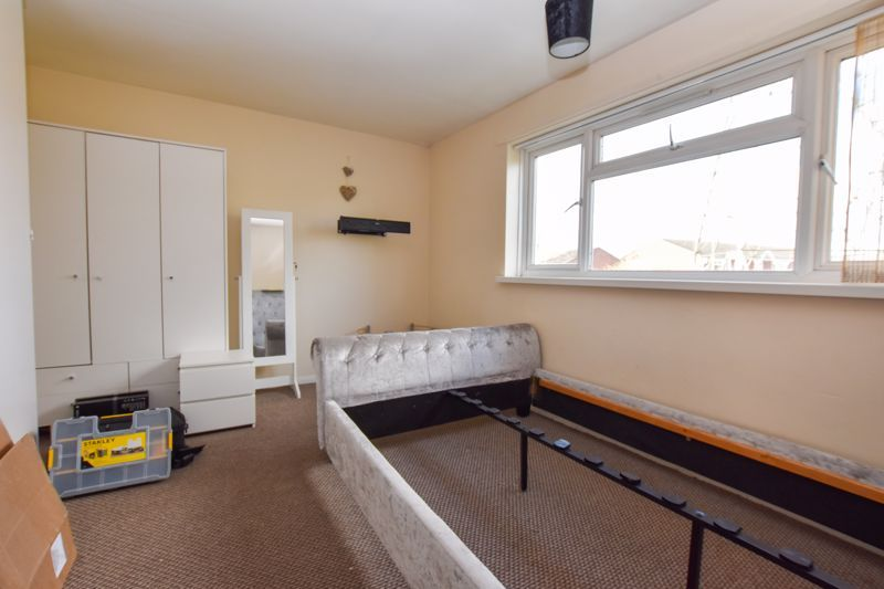 2 bed flat to rent in 14 Clent Way 7