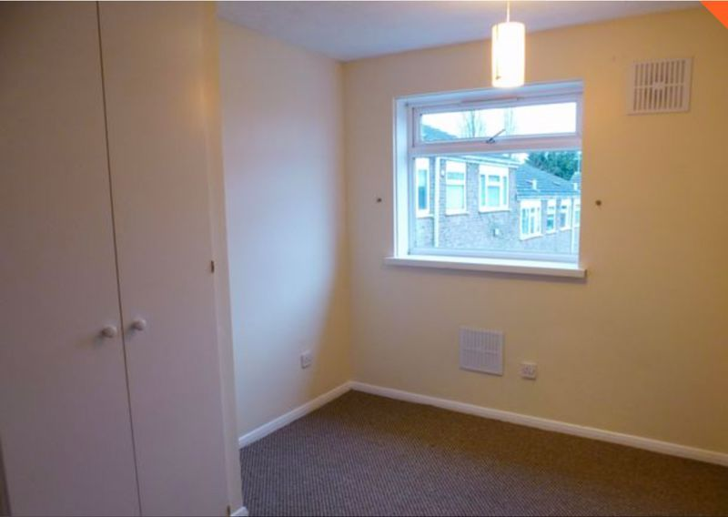 2 bed flat to rent in 14 Clent Way 9