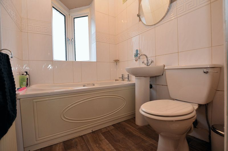 3 bed house for sale in Moat Road  - Property Image 7