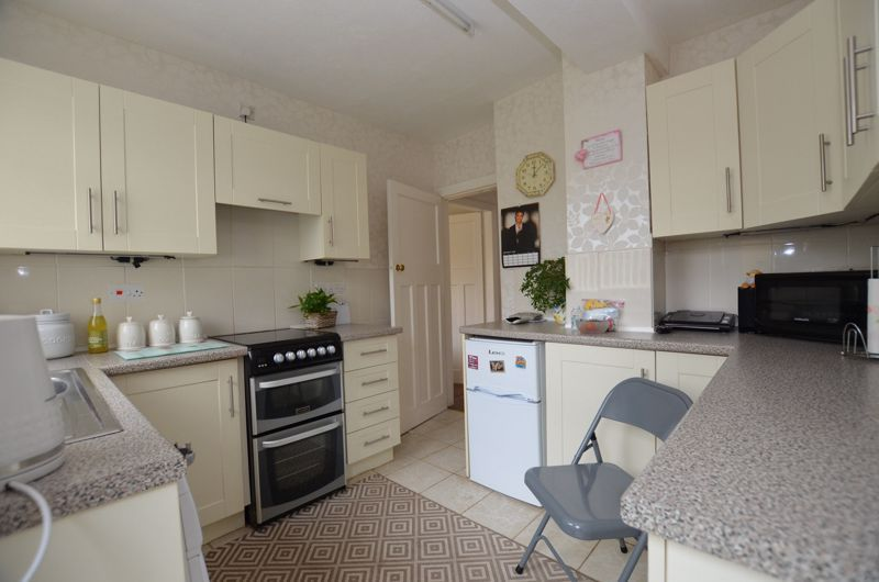 3 bed house for sale in Glyn Farm Road  - Property Image 3