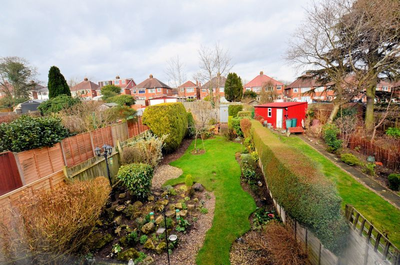 3 bed house for sale in Glyn Farm Road 8