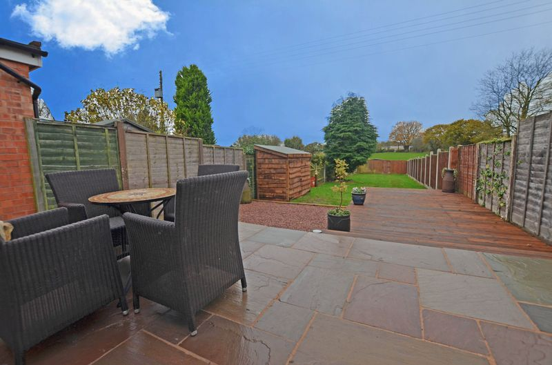 3 bed house to rent in Stourbridge Road 2