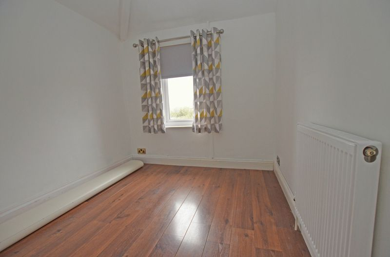3 bed house to rent in Stourbridge Road 11