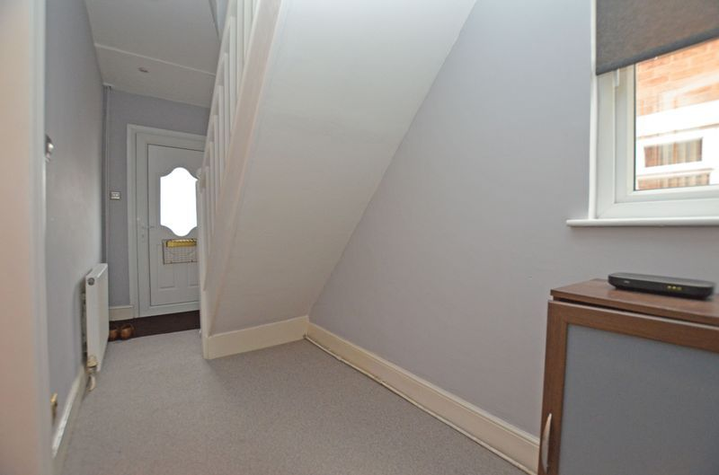 3 bed house to rent in Stourbridge Road 12