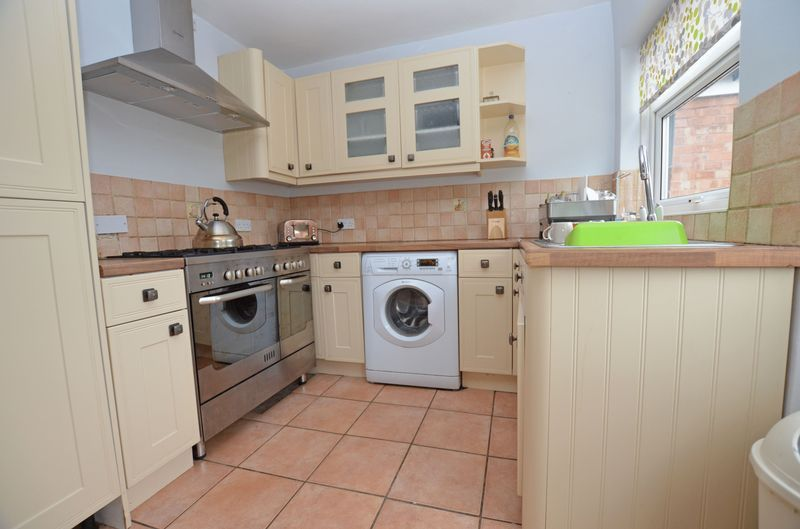 3 bed house to rent in Stourbridge Road 5