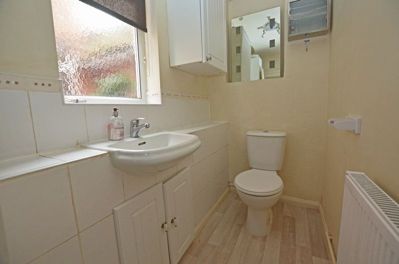 3 bed house to rent in Stourbridge Road 7