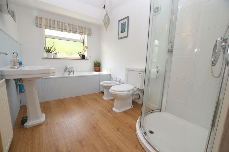 3 bed house to rent in Hagley Road West 8