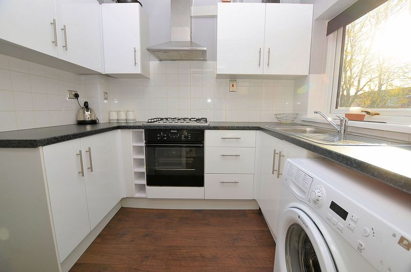 2 bed house to rent in Thornhurst Avenue 2