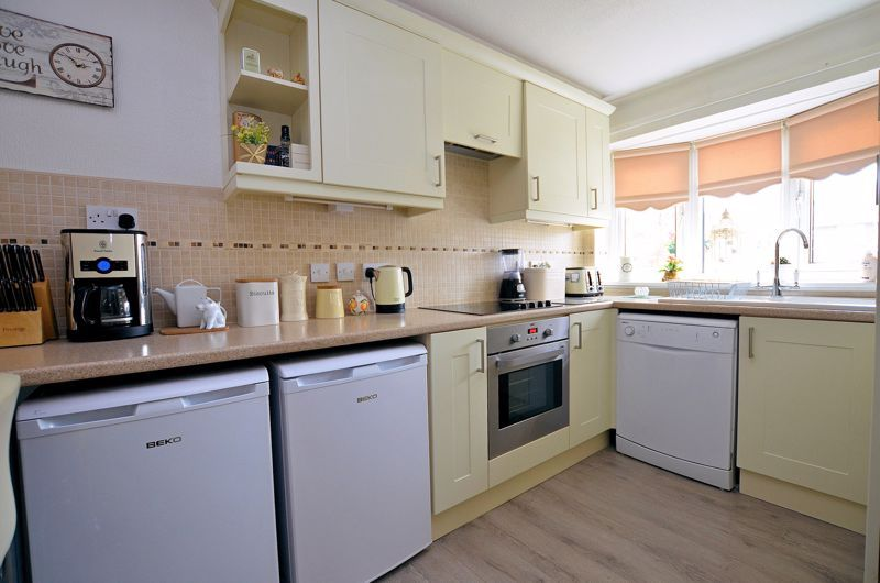 3 bed house for sale in Chichester Drive 16