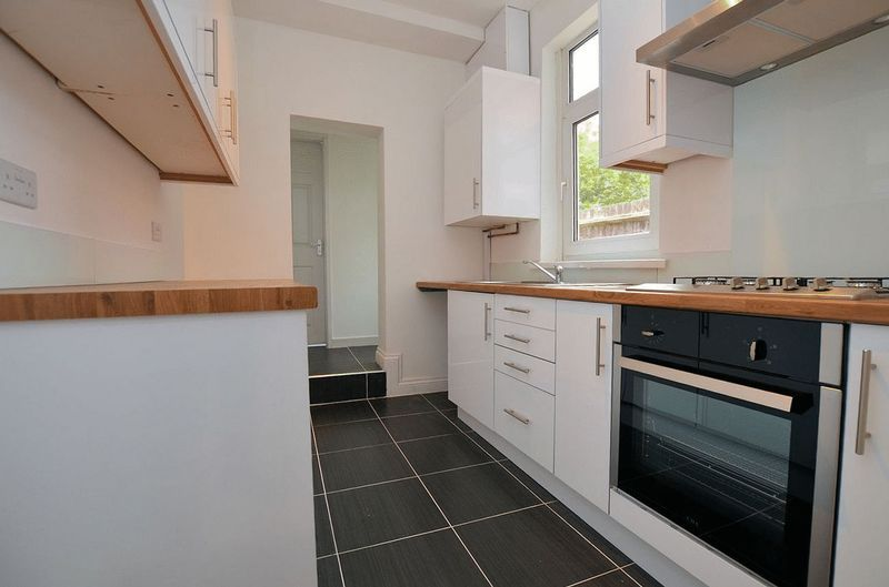 3 bed house for sale in Pargeter Road 9