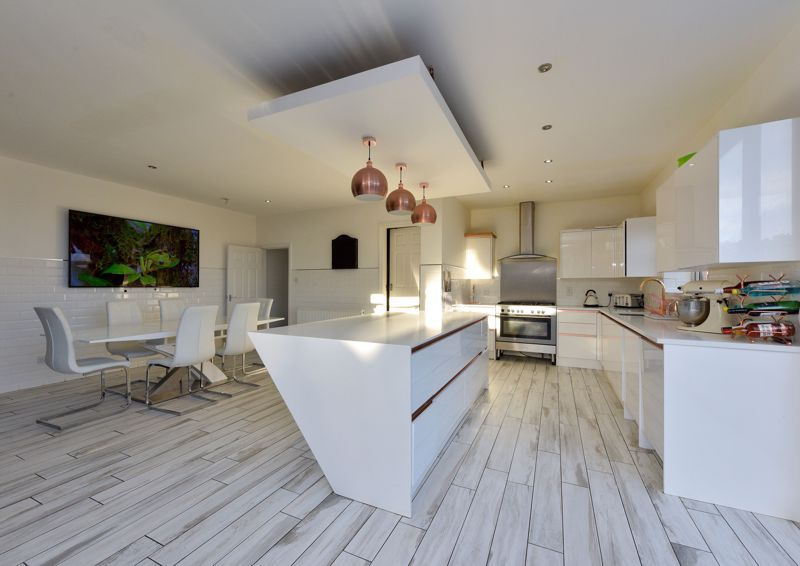 5 bed house for sale in Maple Road  - Property Image 2