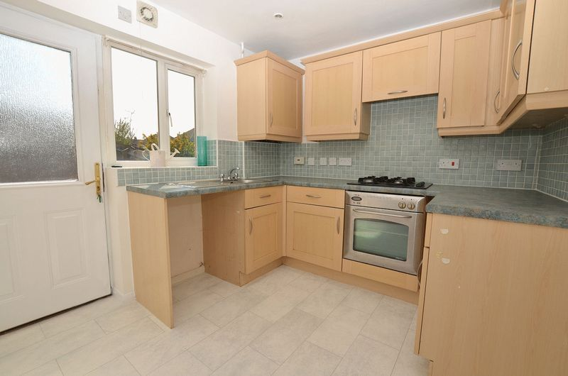 3 bed house for sale in Hurst Green Road 2