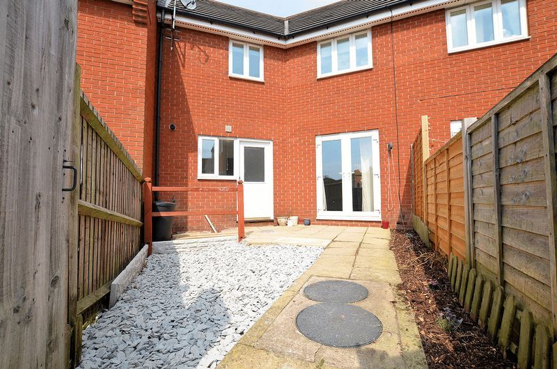 3 bed house for sale in Hurst Green Road 5