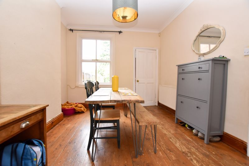 2 bed house to rent in Milcote Road 5