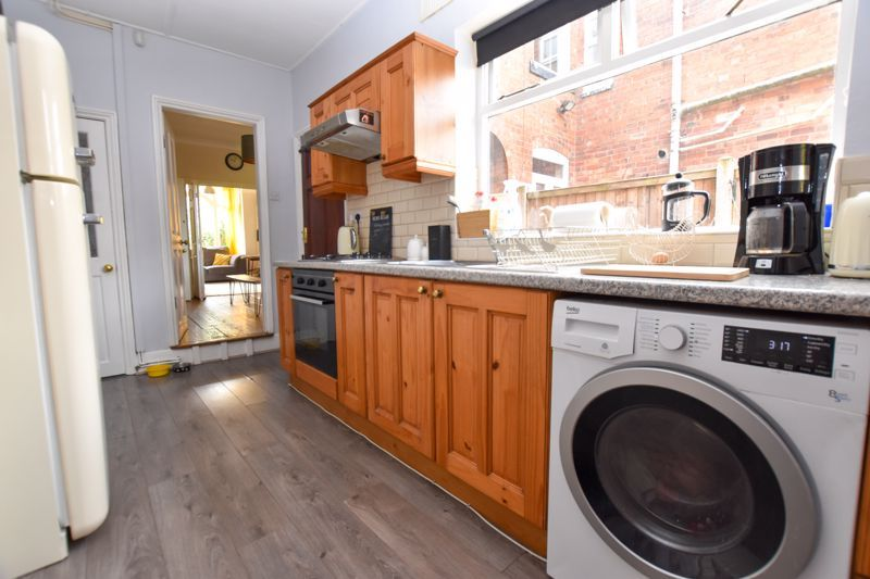 2 bed house to rent in Milcote Road 6