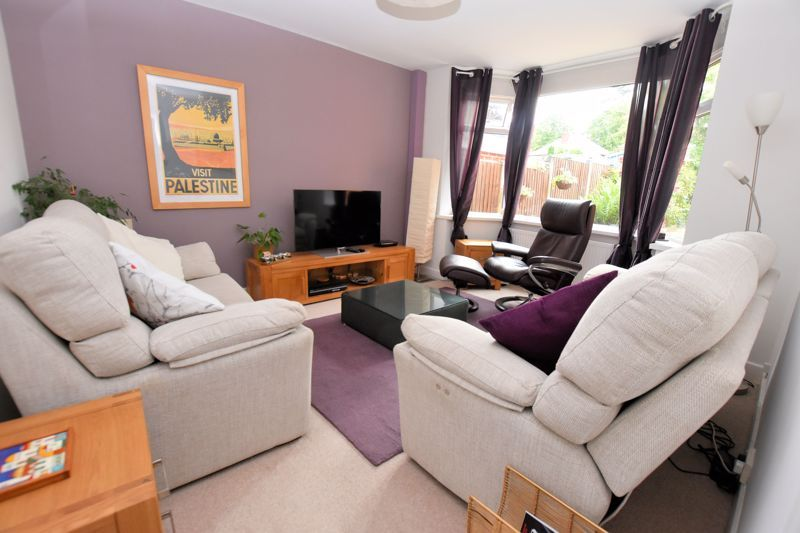 5 bed house for sale in Edenhall Road  - Property Image 2