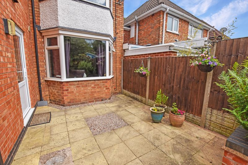 5 bed house for sale in Edenhall Road 23