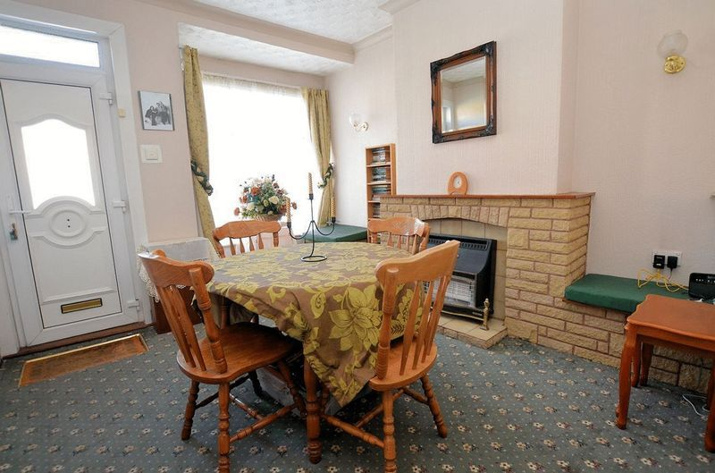 2 bed house for sale in Thimblemill Road  - Property Image 2