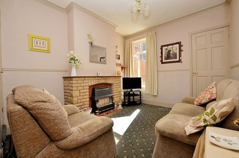 2 bed house for sale in Thimblemill Road 3