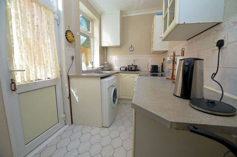 2 bed house for sale in Thimblemill Road 4