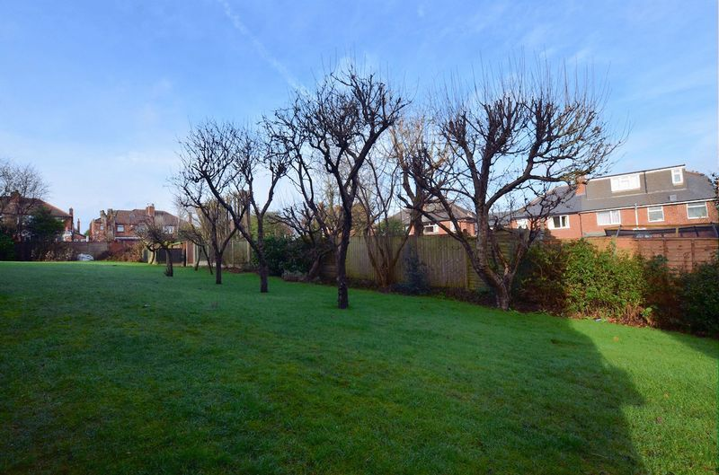 1 bed flat for sale in Leicester Close 4
