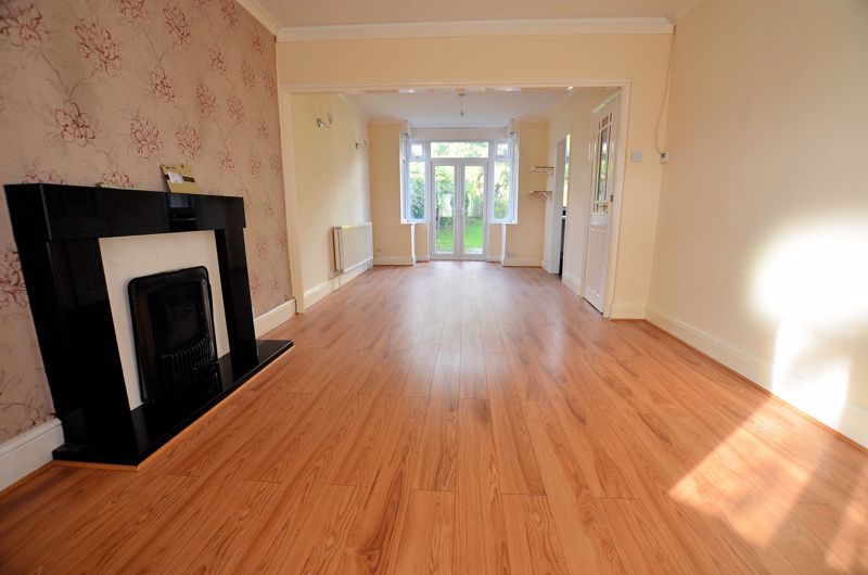 3 bed house for sale in Quinton Lane 14