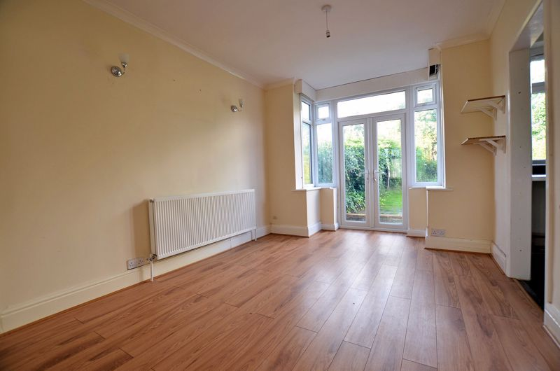 3 bed house for sale in Quinton Lane 3