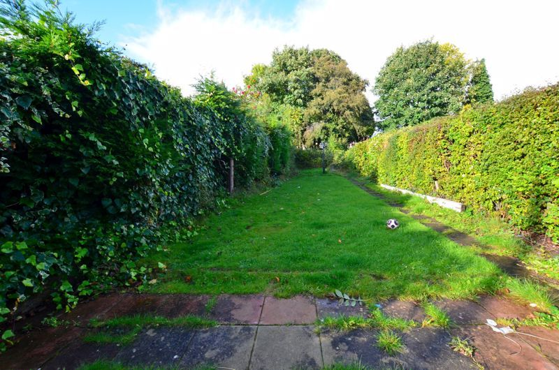 3 bed house for sale in Quinton Lane 7