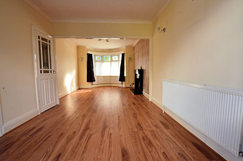 3 bed house for sale in Quinton Lane 9
