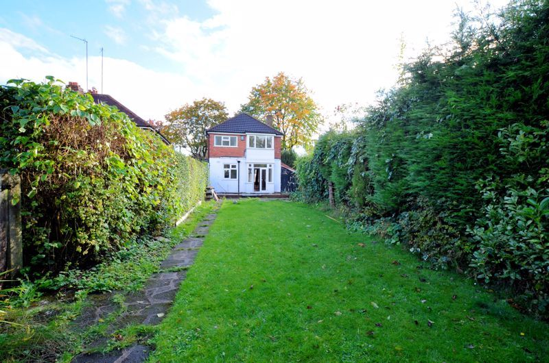 3 bed house for sale in Quinton Lane 10