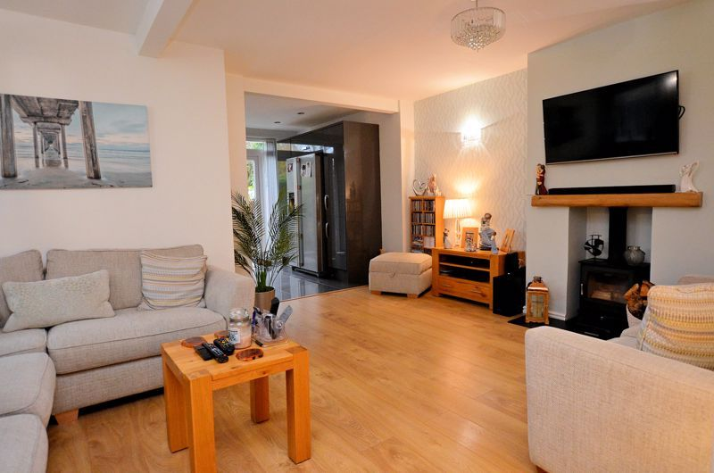 3 bed house for sale in White Road 2