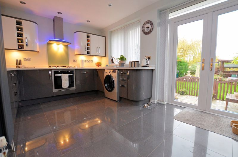 3 bed house for sale in White Road 14