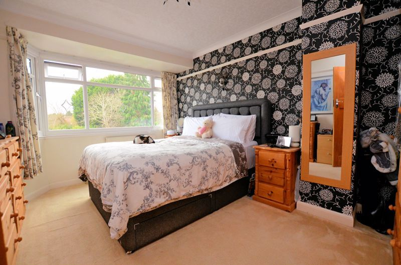 3 bed house for sale in White Road  - Property Image 5