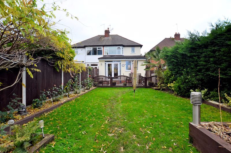 3 bed house for sale in White Road 9